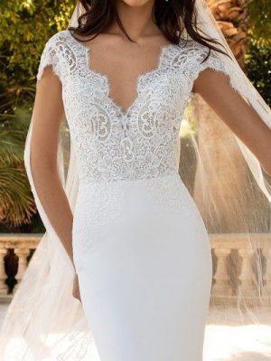 Pronovias sale wedding dress, Milady
