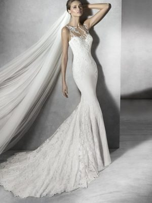 Pronovias sale wedding dress, Prunelle